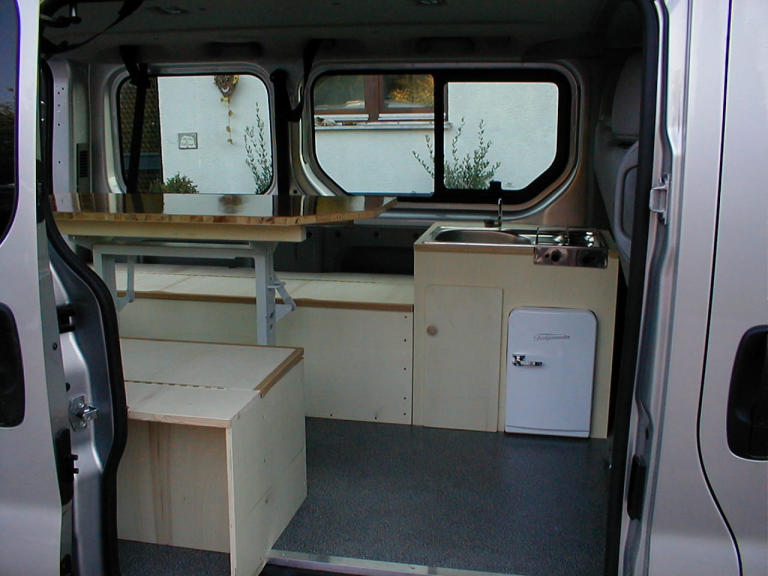 nissan campingbus used nissan primastar of km at u ac. Black Bedroom Furniture Sets. Home Design Ideas